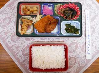配食サービスの昼食